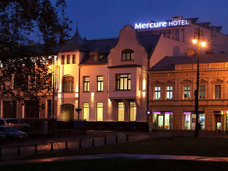 Four-star hotel in the centre of Bydgoszcz's old town with 90 comfortable rooms, conference halls, restaurant, fitness centre and sauna, a well as a roof terrace.